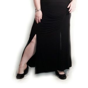 TORRID Black Double Split Ruched Skirt Size 1X